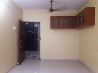Gallery Cover Image of 650 Sq.ft 2 BHK Apartment for rent in Kandivali East for 25000