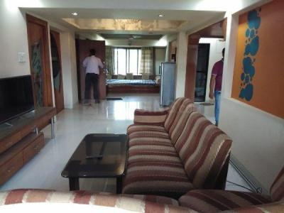 Gallery Cover Image of 1023 Sq.ft 2 BHK Apartment for rent in Kurla West for 45000