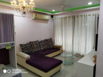 Gallery Cover Image of 600 Sq.ft 1 BHK Apartment for rent in NG Complex, Andheri East for 29000