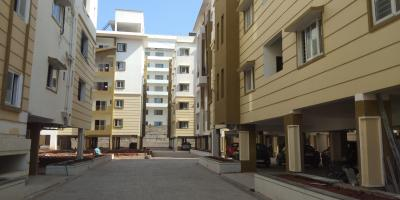 Gallery Cover Image of 1340 Sq.ft 2 BHK Apartment for buy in Srusti Symphony, Kondapur for 9600000