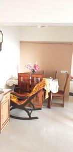 Gallery Cover Image of 1300 Sq.ft 3 BHK Apartment for buy in Samrin Purnashanti Heights, Thane West for 24500000
