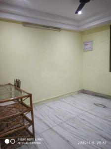 Gallery Cover Image of 900 Sq.ft 2 BHK Apartment for rent in Khar West for 60000
