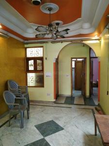 Gallery Cover Image of 1090 Sq.ft 3 BHK Apartment for rent in Laxmi Nagar for 16500