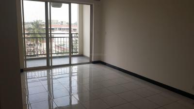 Gallery Cover Image of 1200 Sq.ft 2 BHK Apartment for rent in Embassy Meadows, Ejipura for 40000