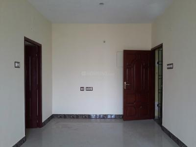 Gallery Cover Image of 850 Sq.ft 2 BHK Apartment for buy in Ramapuram for 4845000