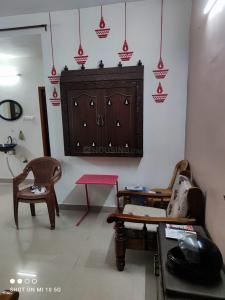 Gallery Cover Image of 826 Sq.ft 2 BHK Apartment for buy in Kolathur for 5500000