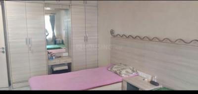कुंबल्ला हिल में गिरिराज के बेडरूम की तस्वीर