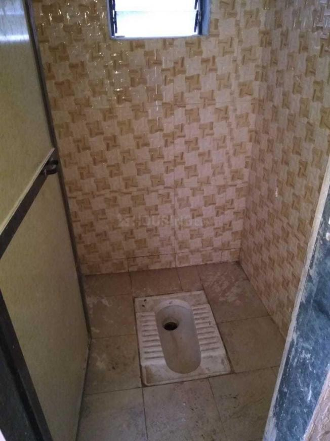 Common Bathroom Image of 546 Sq.ft 1 BHK Independent House for buy in Dombivli East for 2500000