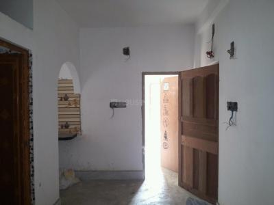 Gallery Cover Image of 600 Sq.ft 2 BHK Apartment for buy in Baranagar for 2000000