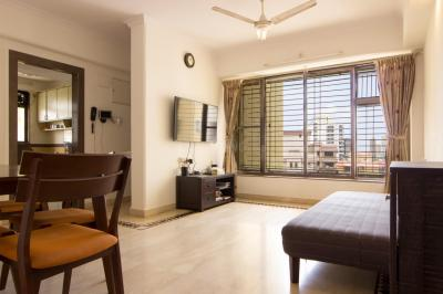 Gallery Cover Image of 950 Sq.ft 2 BHK Apartment for rent in Malad West for 43000