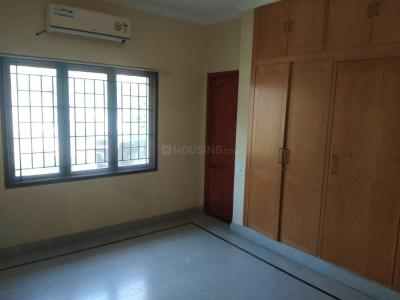Gallery Cover Image of 1800 Sq.ft 3 BHK Villa for rent in Neelankarai for 50000