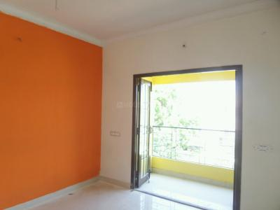 Gallery Cover Image of 1150 Sq.ft 2 BHK Apartment for rent in Valasaravakkam for 15000