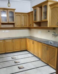 Gallery Cover Image of 3000 Sq.ft 3 BHK Independent Floor for rent in Jasola Vihar for 47000