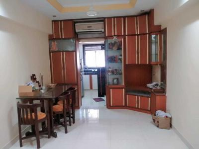 Gallery Cover Image of 325 Sq.ft 1 RK Apartment for rent in Bandra West for 32000