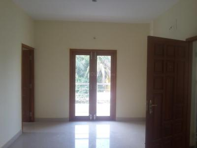 Gallery Cover Image of 990 Sq.ft 2 BHK Apartment for rent in  South kolathur for 12000