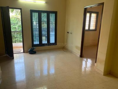 Gallery Cover Image of 816 Sq.ft 2 BHK Apartment for rent in Anakaputhur for 9000