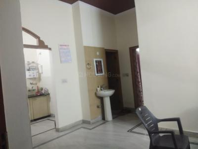 Gallery Cover Image of 1200 Sq.ft 1 BHK Independent Floor for rent in Krishna Nagar for 10000