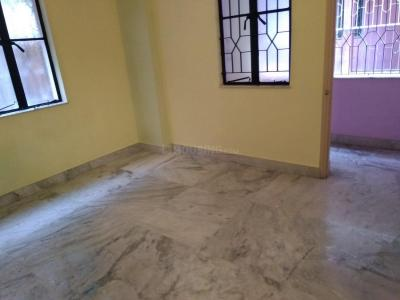 Gallery Cover Image of 750 Sq.ft 2 BHK Apartment for rent in Paschim Putiary for 8000