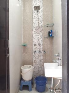 Bathroom Image of Krishna PG in Patel Nagar