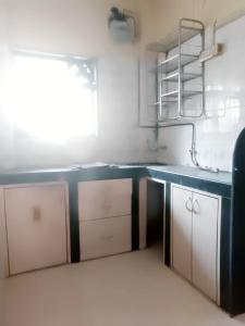 Gallery Cover Image of 1065 Sq.ft 2 BHK Apartment for rent in Seawoods for 26300