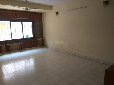 Gallery Cover Image of 1600 Sq.ft 3 BHK Apartment for rent in Nungambakkam for 38000
