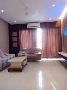 Gallery Cover Image of 1850 Sq.ft 2 BHK Apartment for rent in Byculla for 120000