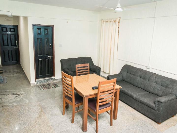 नागवारा में ज़ोलो कॉसमॉस में लिविंग रूम की तस्वीर