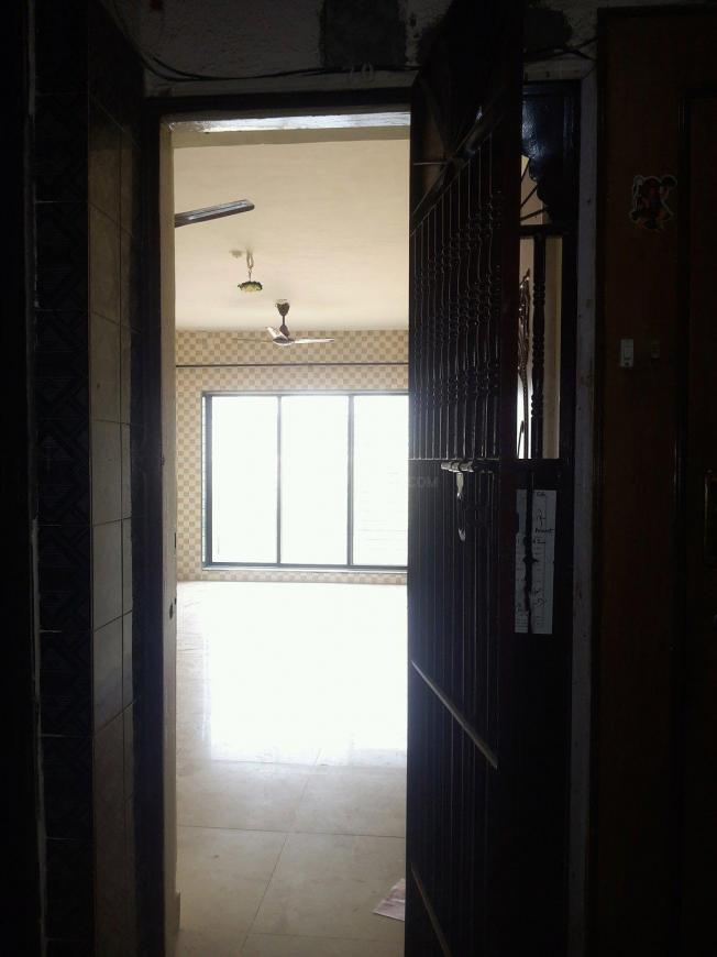 Main Entrance Image of 830 Sq.ft 2 BHK Apartment for buy in Thane West for 10000000