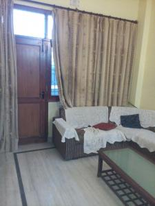 Gallery Cover Image of 1425 Sq.ft 2 BHK Independent Floor for rent in Delta II Greater Noida for 17500