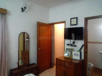 Gallery Cover Image of 650 Sq.ft 1 BHK Apartment for rent in Sector 52 for 16000