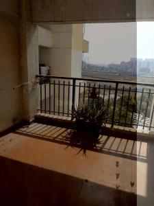 Gallery Cover Image of 1500 Sq.ft 2 BHK Apartment for rent in Kharadi for 30000