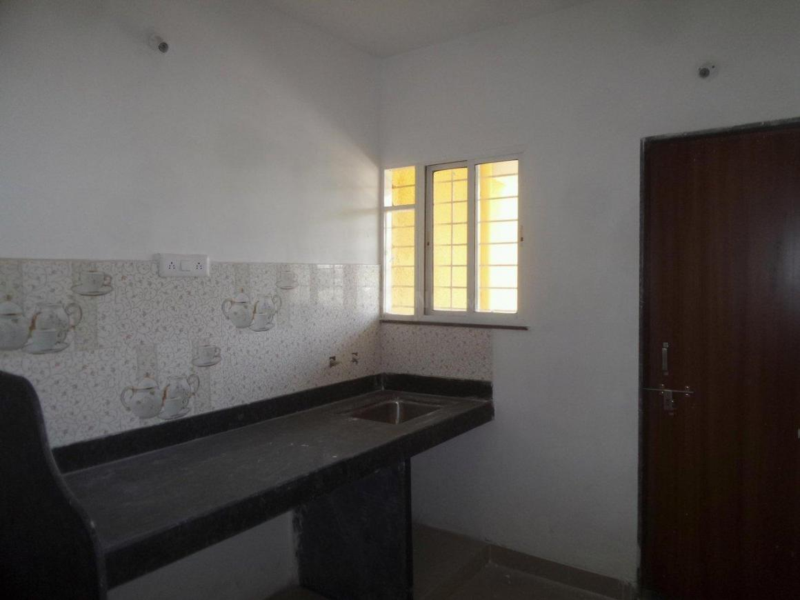 Kitchen Image of 850 Sq.ft 2 BHK Apartment for rent in Dhanori for 14000