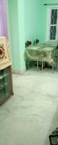 Gallery Cover Image of 950 Sq.ft 2 BHK Apartment for rent in Kalighat for 20000