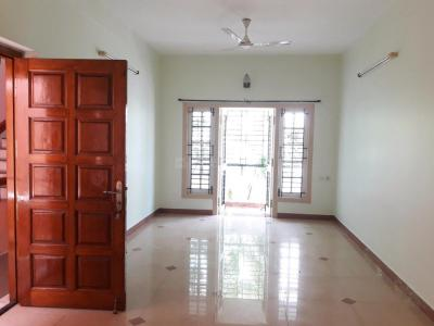 Gallery Cover Image of 2400 Sq.ft 3 BHK Apartment for rent in Teynampet for 50000