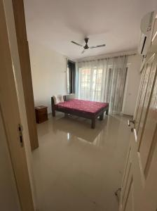 Gallery Cover Image of 1850 Sq.ft 3 BHK Apartment for rent in Emaar Emerald Floors Premier, Sector 65 for 39000