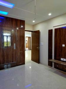 Gallery Cover Image of 960 Sq.ft 3 BHK Independent Floor for buy in Pitampura for 14200000