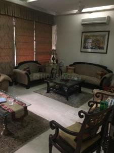 Gallery Cover Image of 4400 Sq.ft 3 BHK Independent Floor for buy in Jasola for 39500000