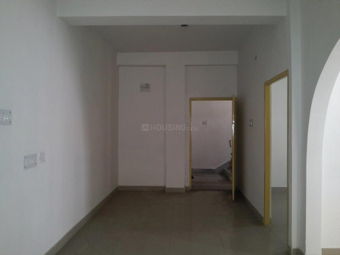 Living Room Image of 930 Sq.ft 2 BHK Apartment for rent in Baghajatin for 13000