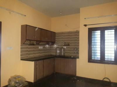 Gallery Cover Image of 800 Sq.ft 2 BHK Apartment for rent in Shanti Nagar for 24000
