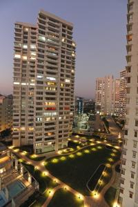 Gallery Cover Image of 1600 Sq.ft 3 BHK Apartment for rent in L And T Emerald Isle T4 T5 T6, Powai for 74500