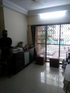Gallery Cover Image of 600 Sq.ft 1 BHK Apartment for rent in Romell Empress, Borivali West for 25000