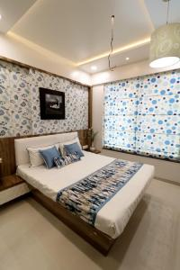 Gallery Cover Image of 938 Sq.ft 1 BHK Apartment for buy in Goel Ganga Antra, Kharadi for 3650000