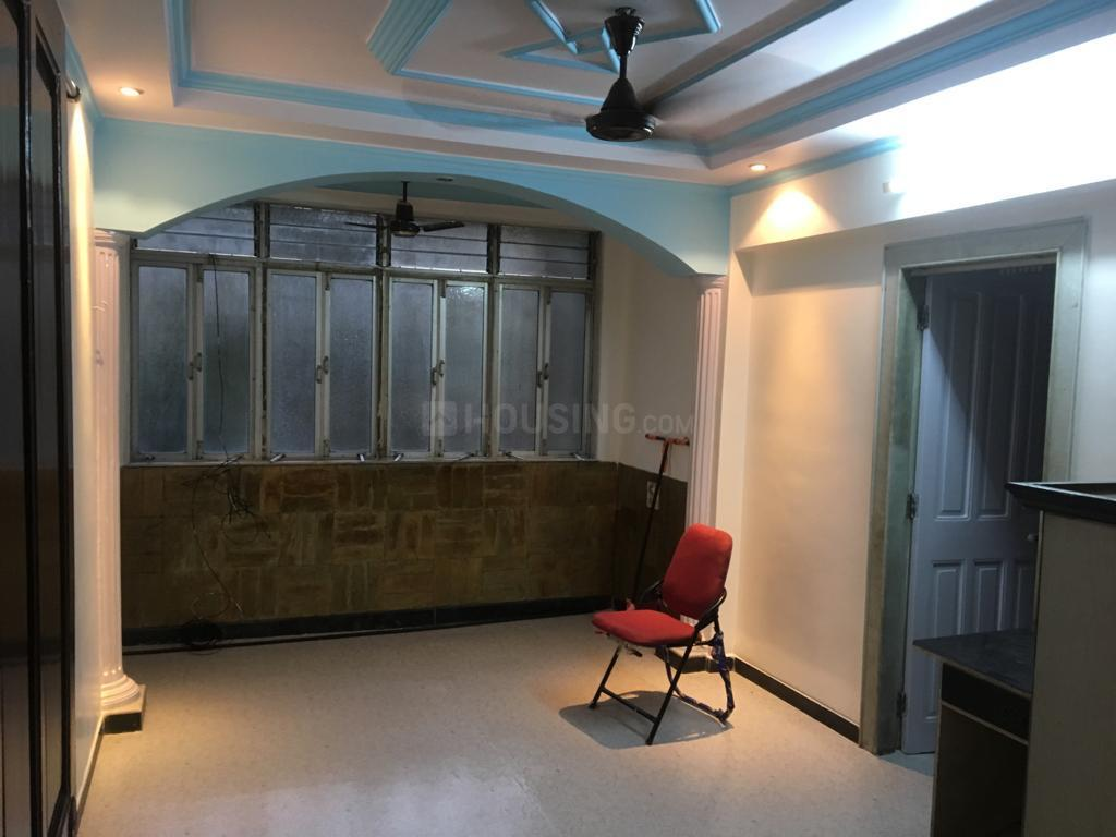 Living Room Image of 810 Sq.ft 2 BHK Apartment for rent in Sion for 35000