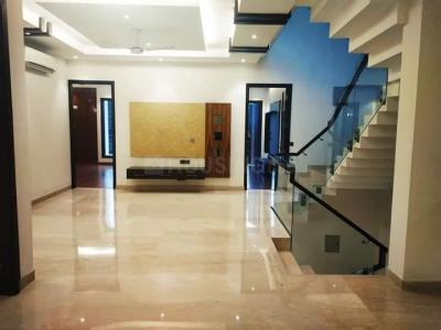 Gallery Cover Image of 4000 Sq.ft 5 BHK Villa for buy in Sushant Lok I for 65000000