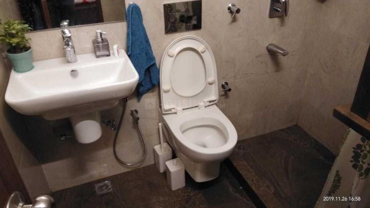 सरिता विहार में श्री पीजी में कॉमन बाथरूम की तस्वीर