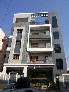 Gallery Cover Image of 2000 Sq.ft 3 BHK Apartment for rent in Hyder Nagar for 26000