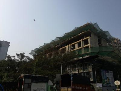 Gallery Cover Image of 820 Sq.ft 2 BHK Apartment for buy in Andheri West for 17800000