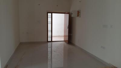 Gallery Cover Image of 1250 Sq.ft 2 BHK Apartment for rent in Karappakam for 16000