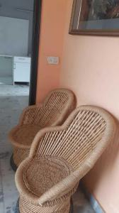 Gallery Cover Image of 1300 Sq.ft 2 BHK Independent Floor for rent in Ahinsa Khand for 27000