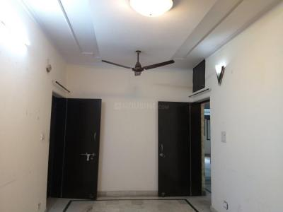 Gallery Cover Image of 1100 Sq.ft 3 BHK Apartment for rent in Archana Apartment, Paschim Vihar for 20000